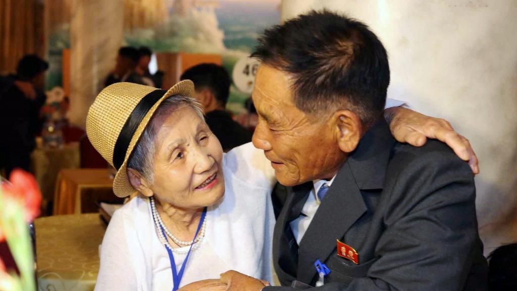 Au Nord, des familles coréennes se retrouvent dans l'émotion