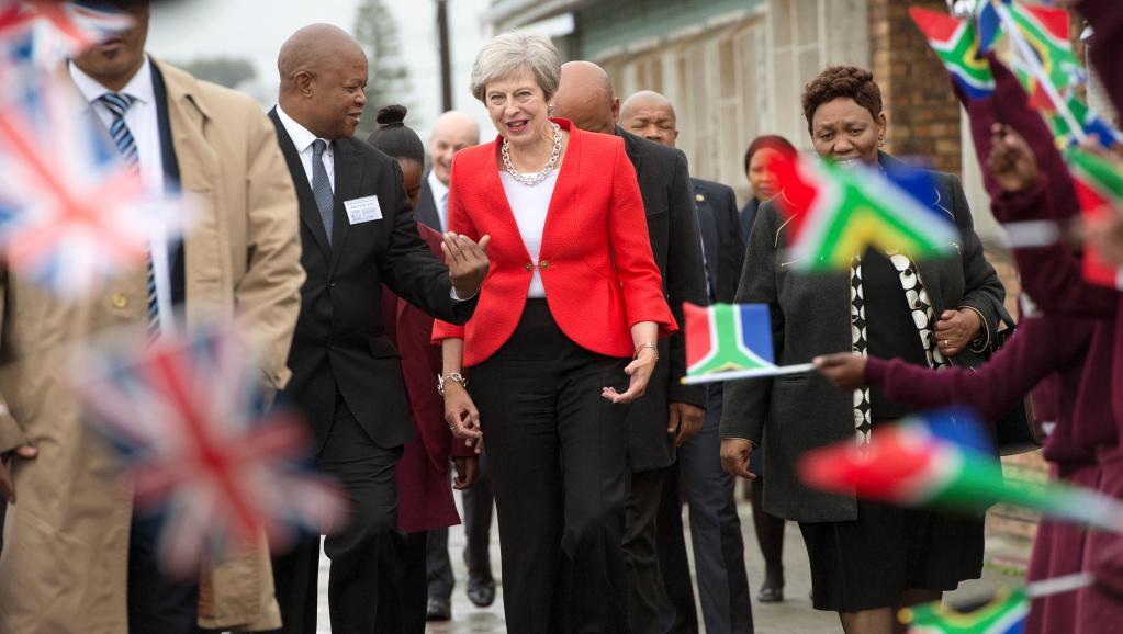 Face au Brexit, Theresa May veut renforcer les liens économiques avec l'Afrique