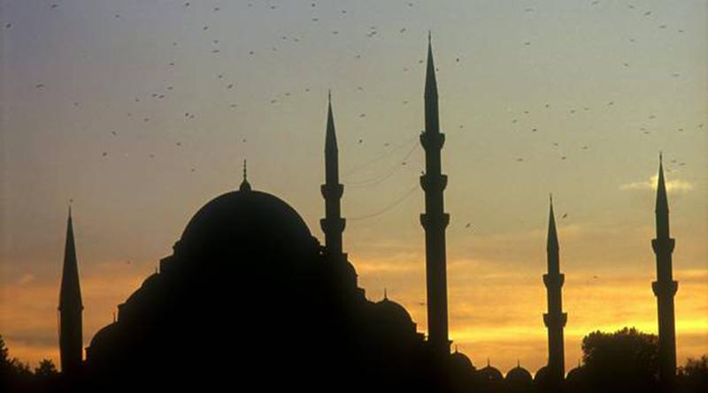 « Domestication'' par les politiques: Le pouvoir religieux va-t-il encore résister longtemps