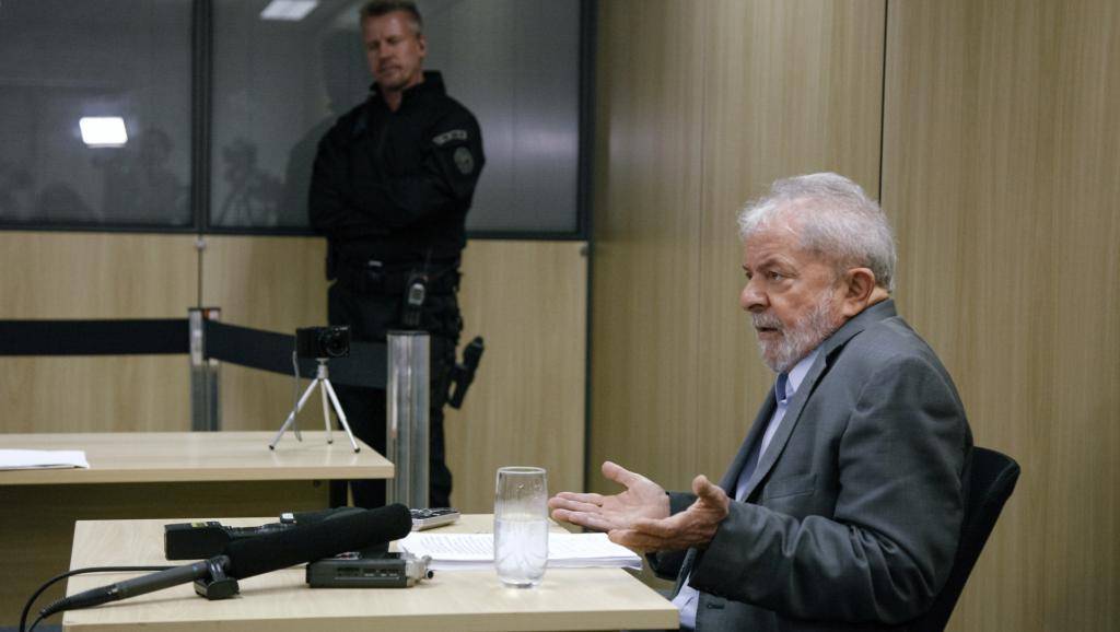 Brésil: la Cour suprême refuse de libérer l'ancien président Lula