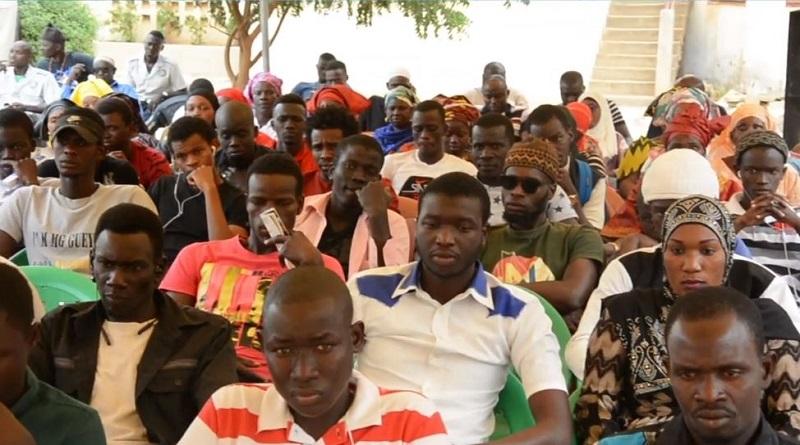 Remise des attestations aux jeunes  de la commune de Diass, formé en électricité